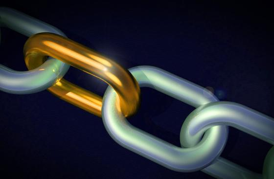 Strong chain link image